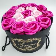 Подарочный набор роз из мыла в шляпной коробке Home Flowers Букет роз из мыла 14х19 см Розовый